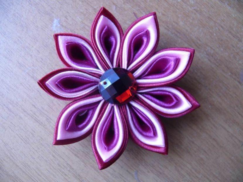 Цветы из шелковых лент своими руками