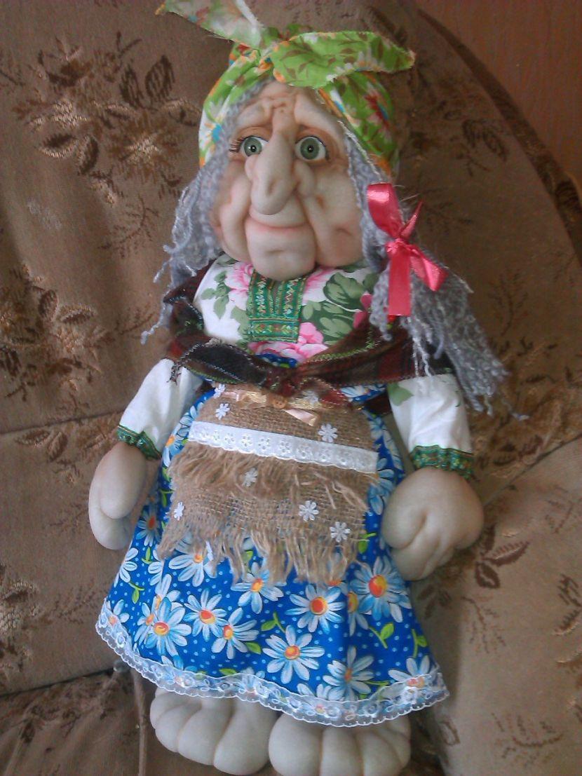 Бабушка из капрона