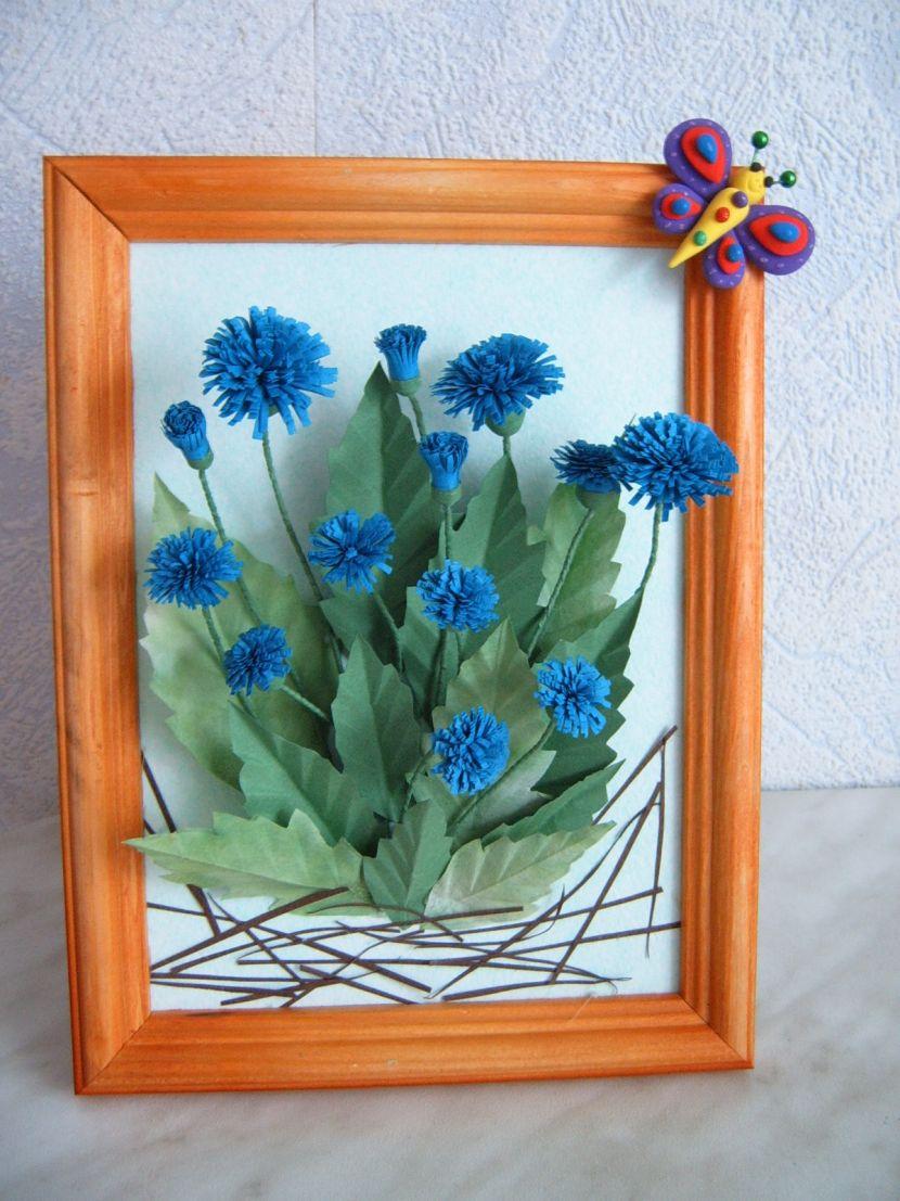 Днем рождения, цветы из цветной бумаги для открытки василек