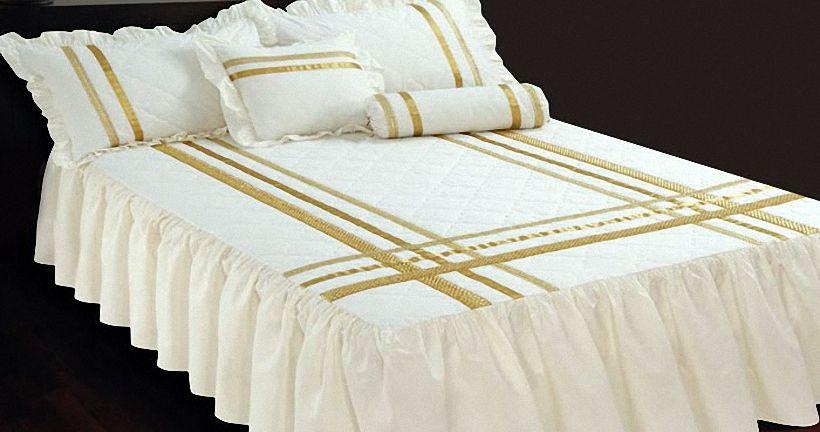 Как своими руками сшить из портьерной ткани или других материалов покрывало на кровать в спальню?