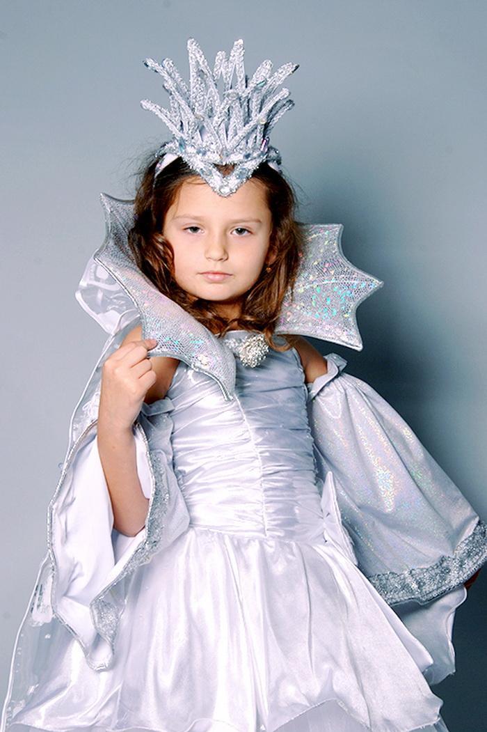 Новогодний костюм для девочки своими руками: фото, выкройки и лучшие идеи